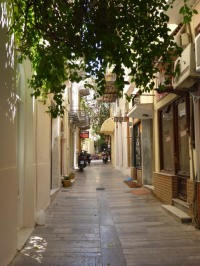 The streets of Nafplio - see - no tourists!